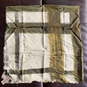 NWT Authentic Burberry Mega Check CottonSilk Scarf